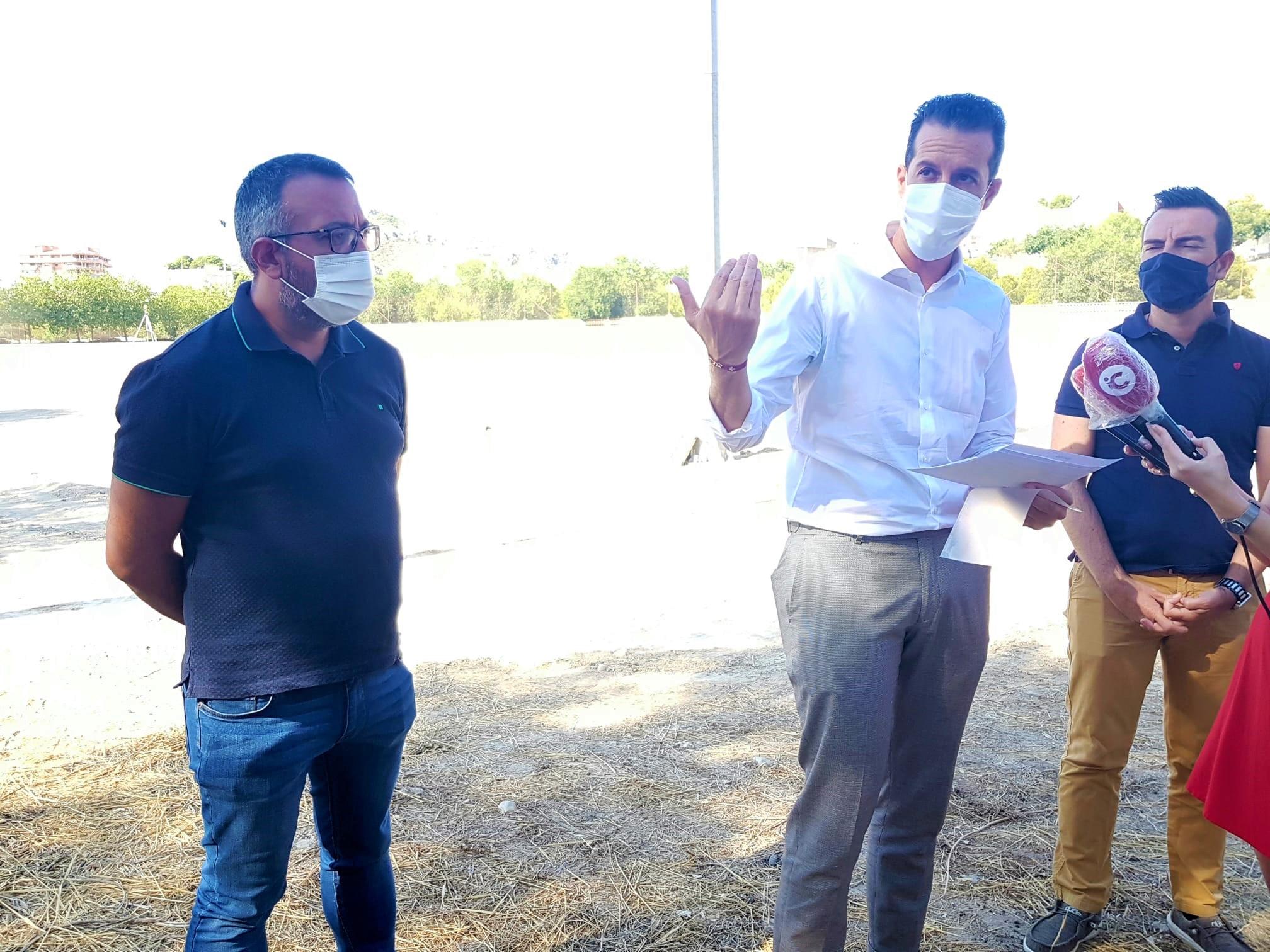 El Ayuntamiento de Elda inicia los trabajos de remodelación del campo de fútbol número 3 de las instalaciones de La Sismat