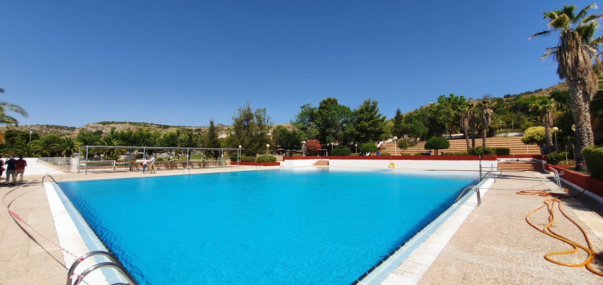Más de 9.600 personas han utilizado las piscinas municipales de San Crispín durante los meses de julio y agosto