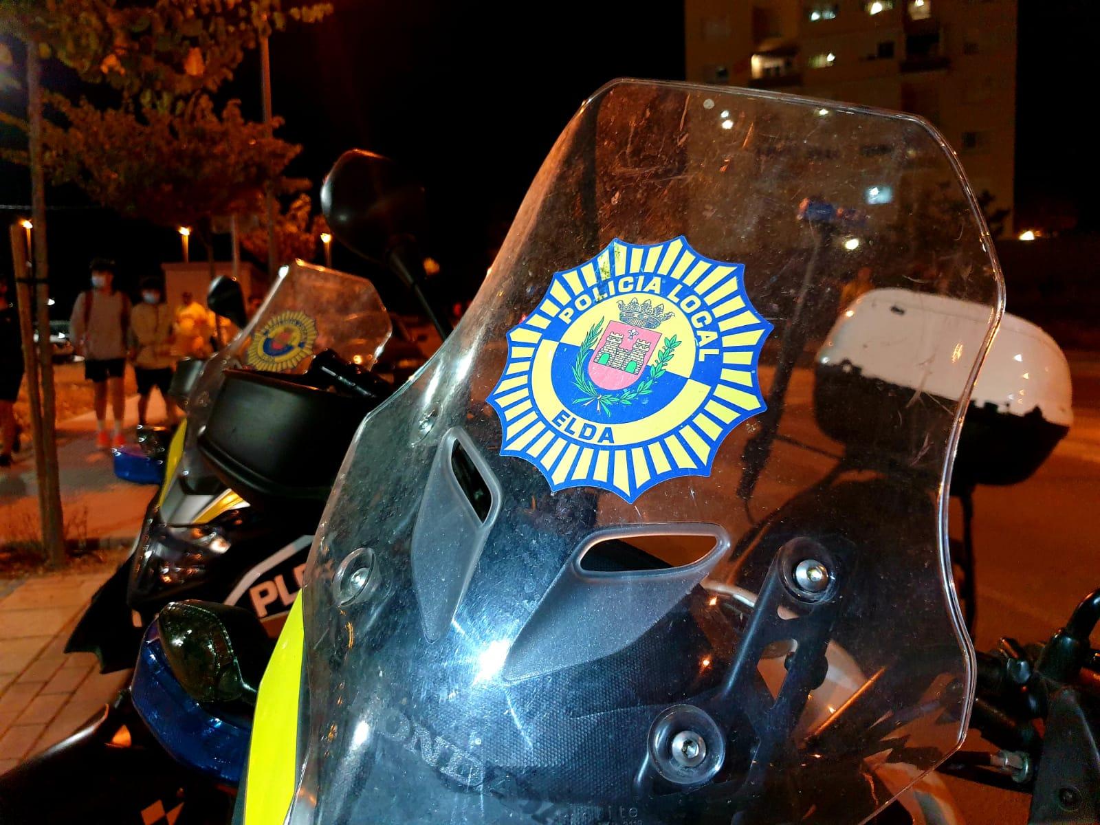 La Policía Local de Elda levanta 36 actas de sanción por infracciones relacionadas con la pandemia durante el pasado fin de semana