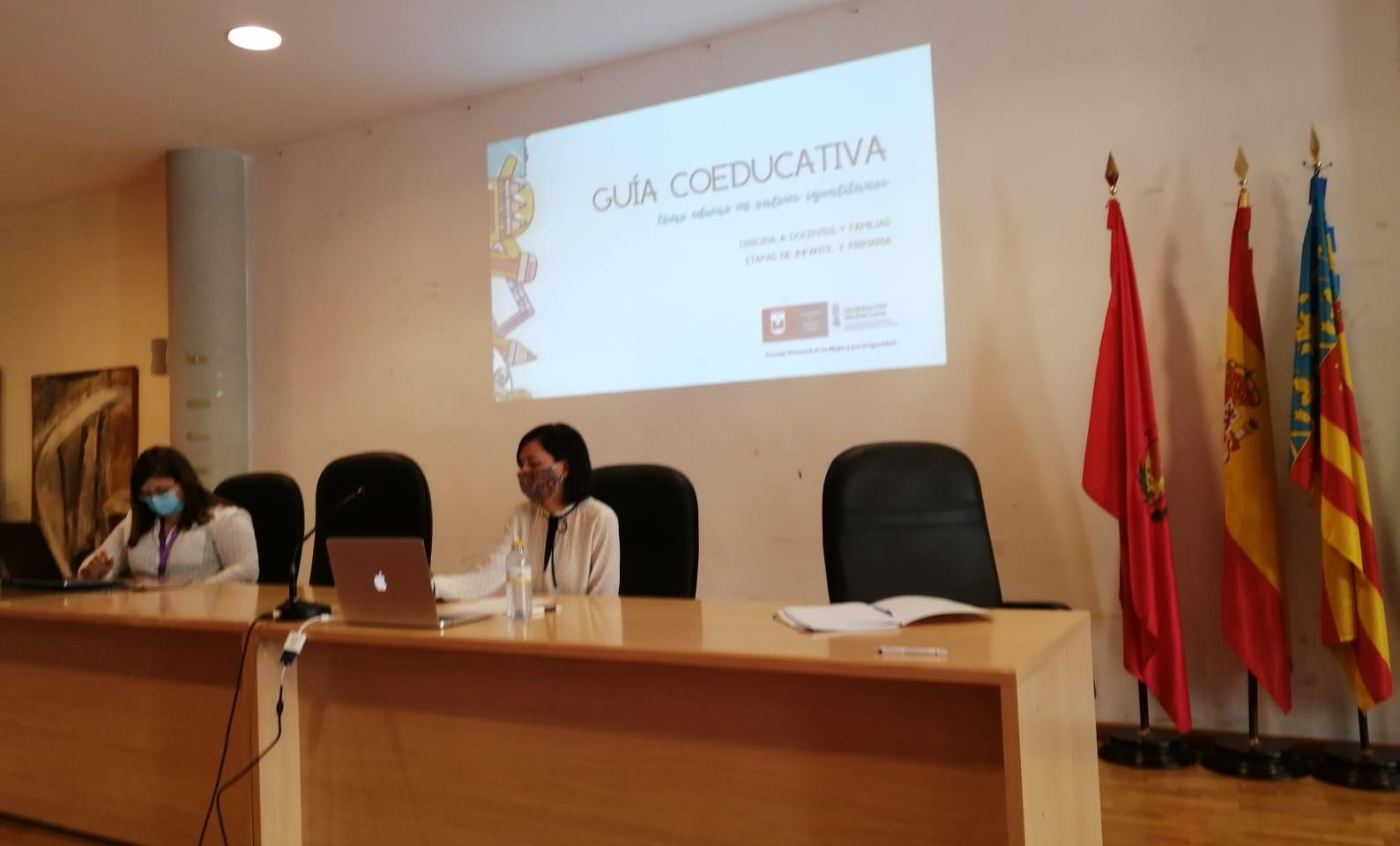 Igualdad pone en marcha la redacción de una guía para la divulgación de la coeducación en los centros públicos de Elda