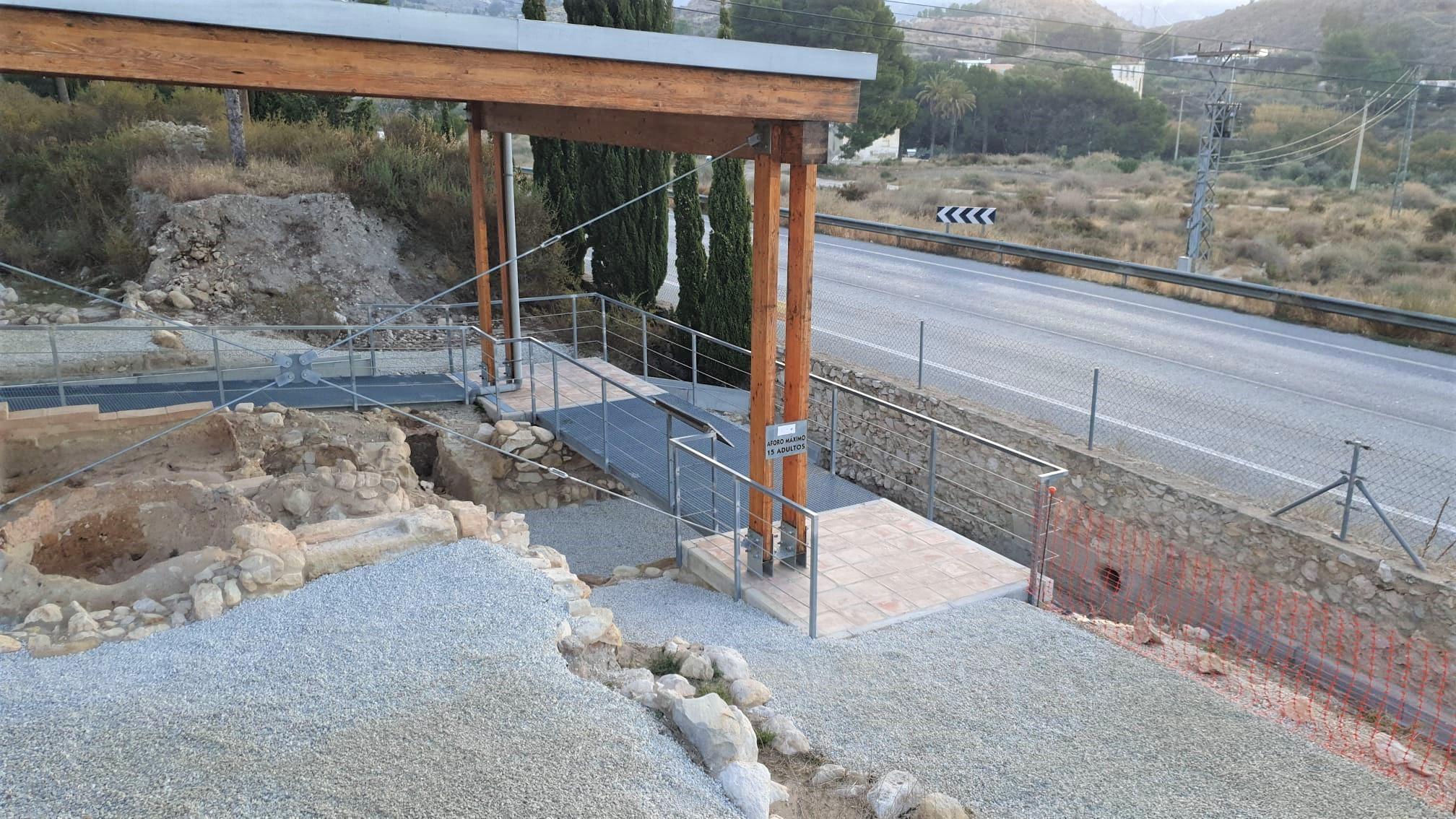 El Ayuntamiento de Elda lleva a cabo trabajos de reparación y mantenimiento en el yacimiento arqueológico de El Monastil