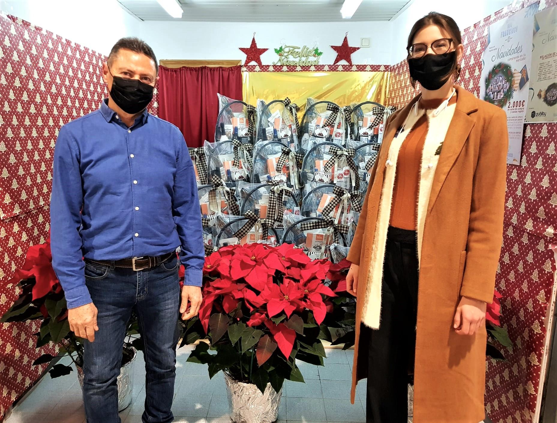 Los comerciantes del Mercado de San Francisco sortearán 2.000 euros en vales de compra y cestas de regalo esta Navidad