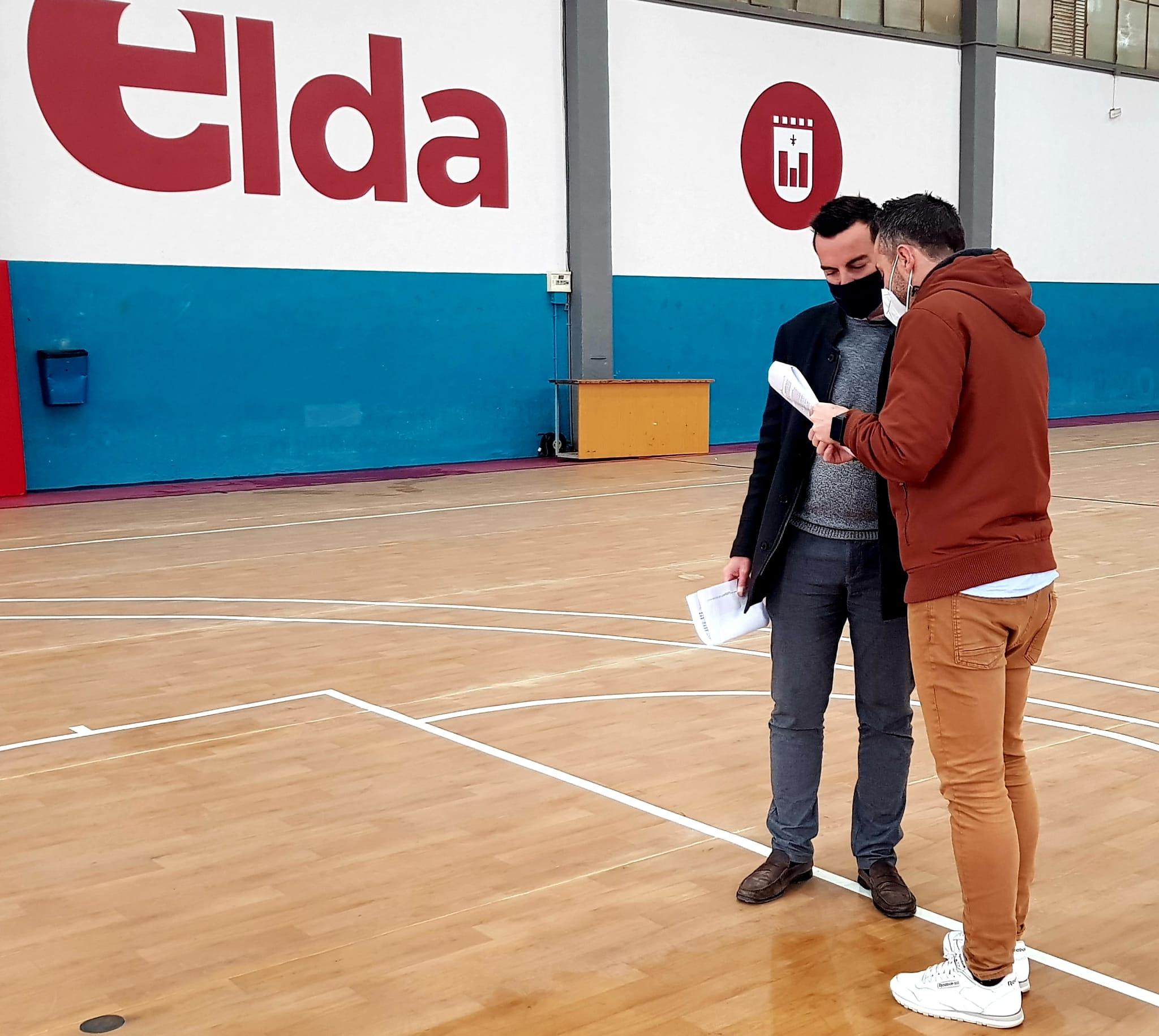 La Concejalía de Deportes comienza los trabajos de mejora de la Pista Azul tras concluir la remodelación del Pabellón Juan Carlos Verdú