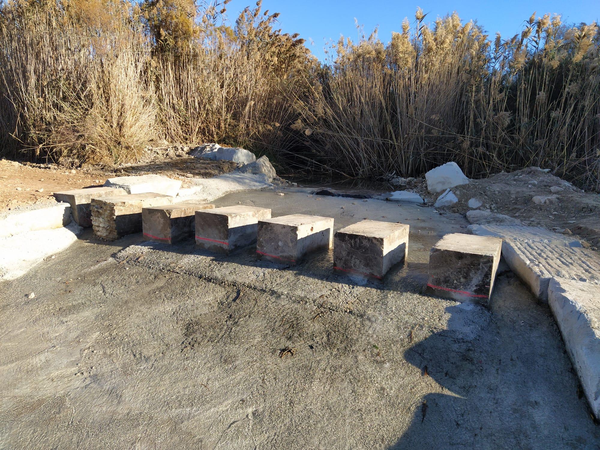 El Ayuntamiento de Elda restaura la zona de paso natural del río Vinalopó próximo al puente del Sambo