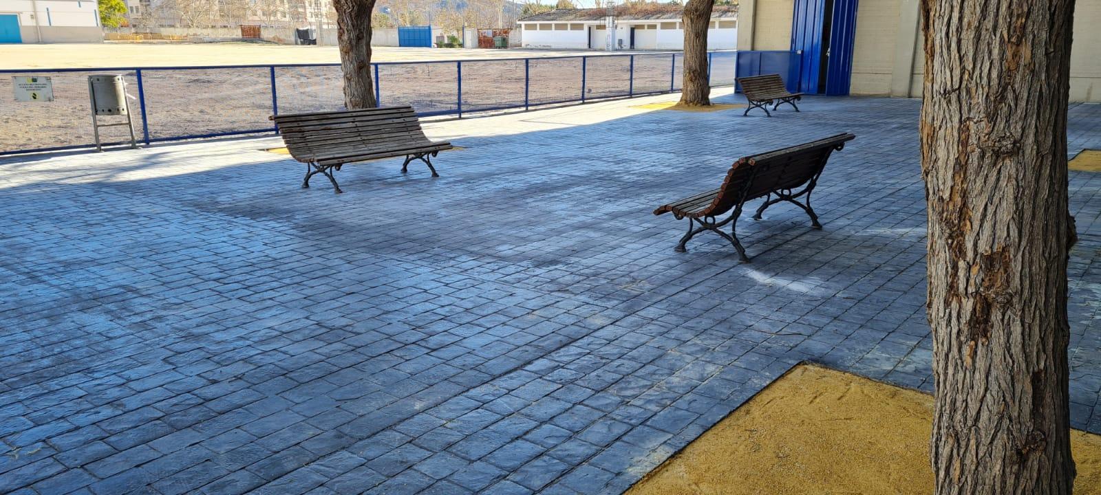 El Ayuntamiento de Elda remodela la entrada al Polideportivo Municipal por la calle Venezuela para evitar accidentes y mejorar la accesibilidad