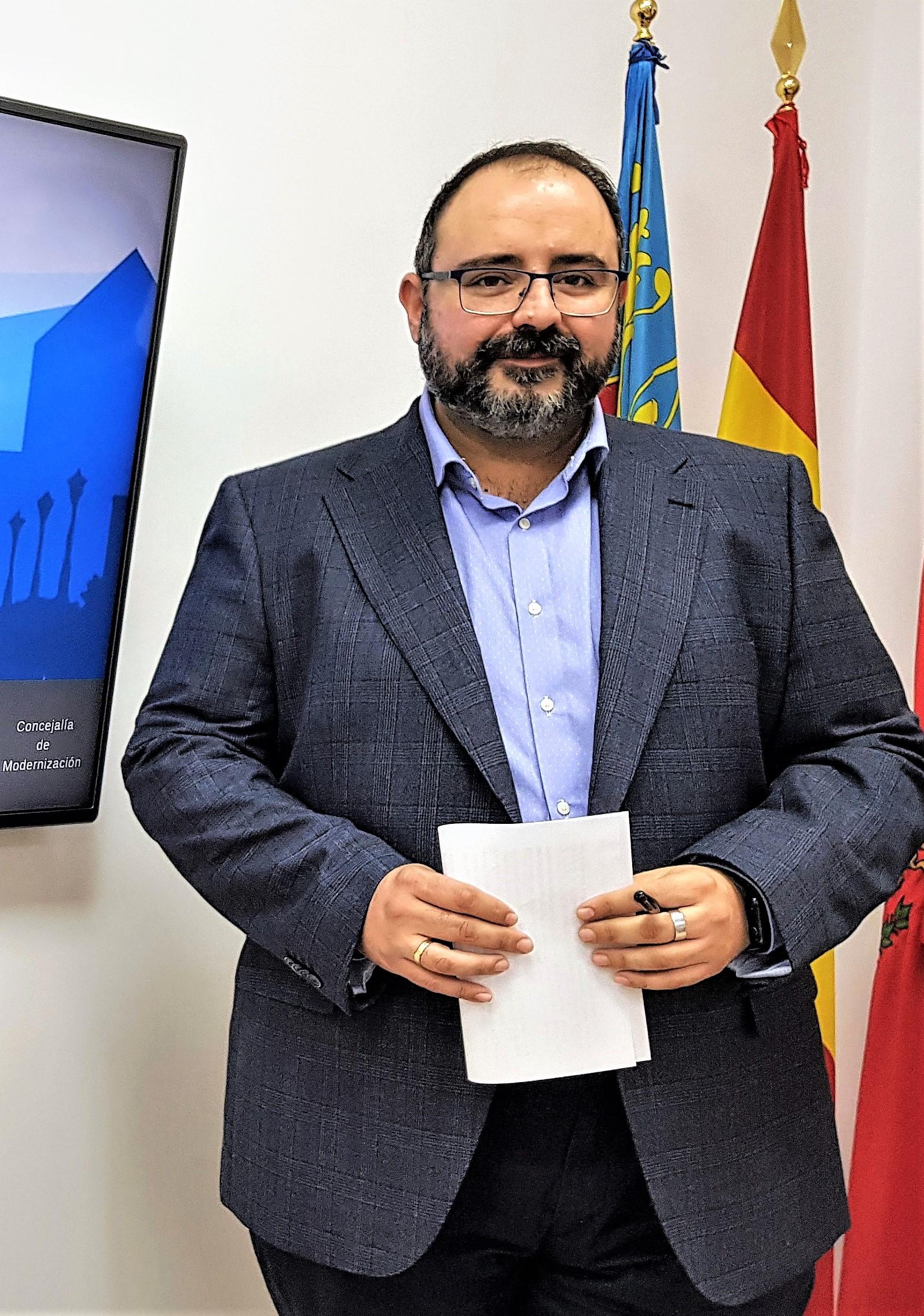 El Ayuntamiento de Elda renueva el convenio para que alumnos y alumnas de la Universidad de Alicante hagan prácticas en el Consistorio eldense