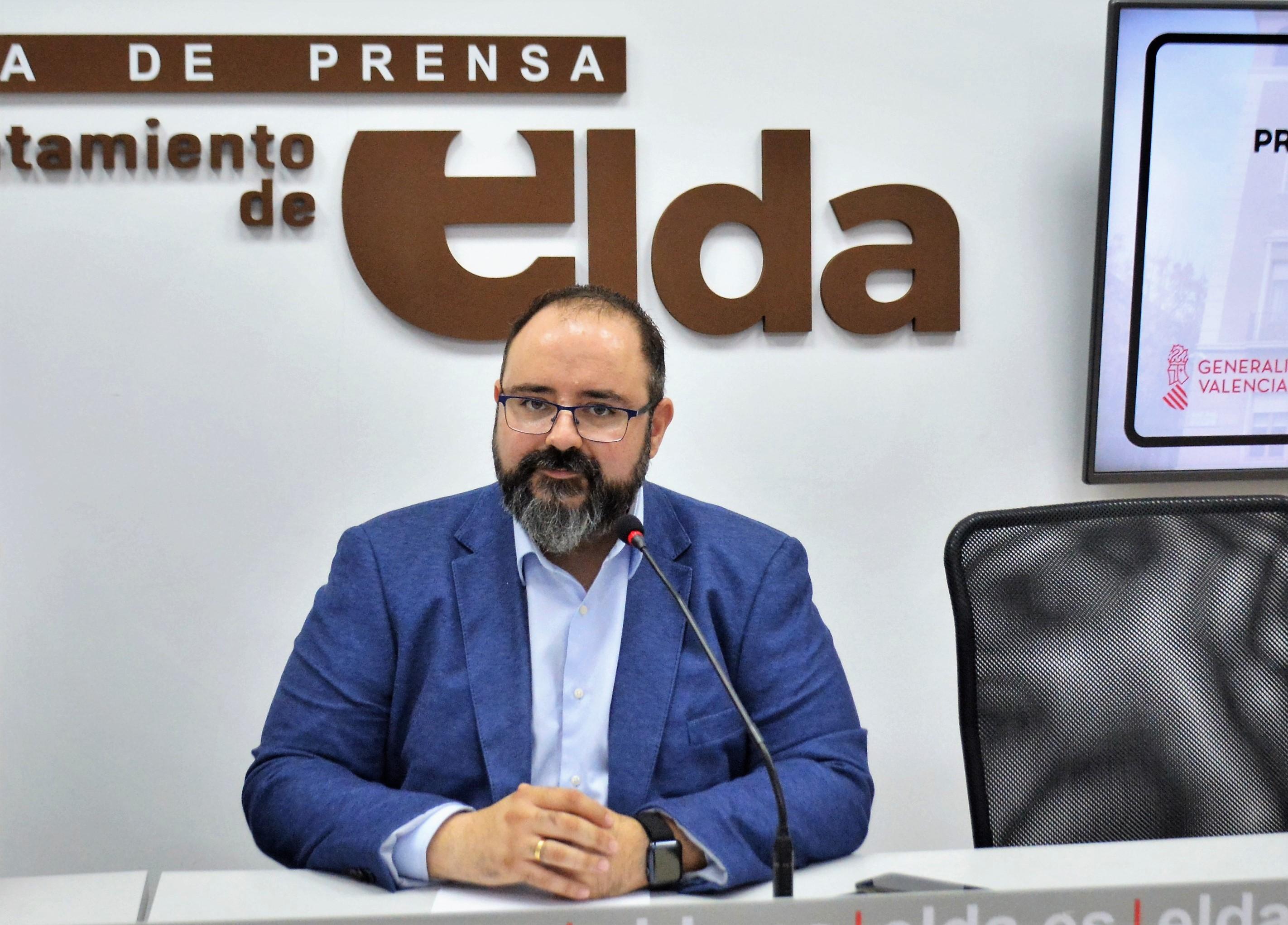 Más de 1.100 personas se han inscrito a la oposición para cubrir 16 plazas de auxiliar administrativo en el Ayuntamiento de  Elda