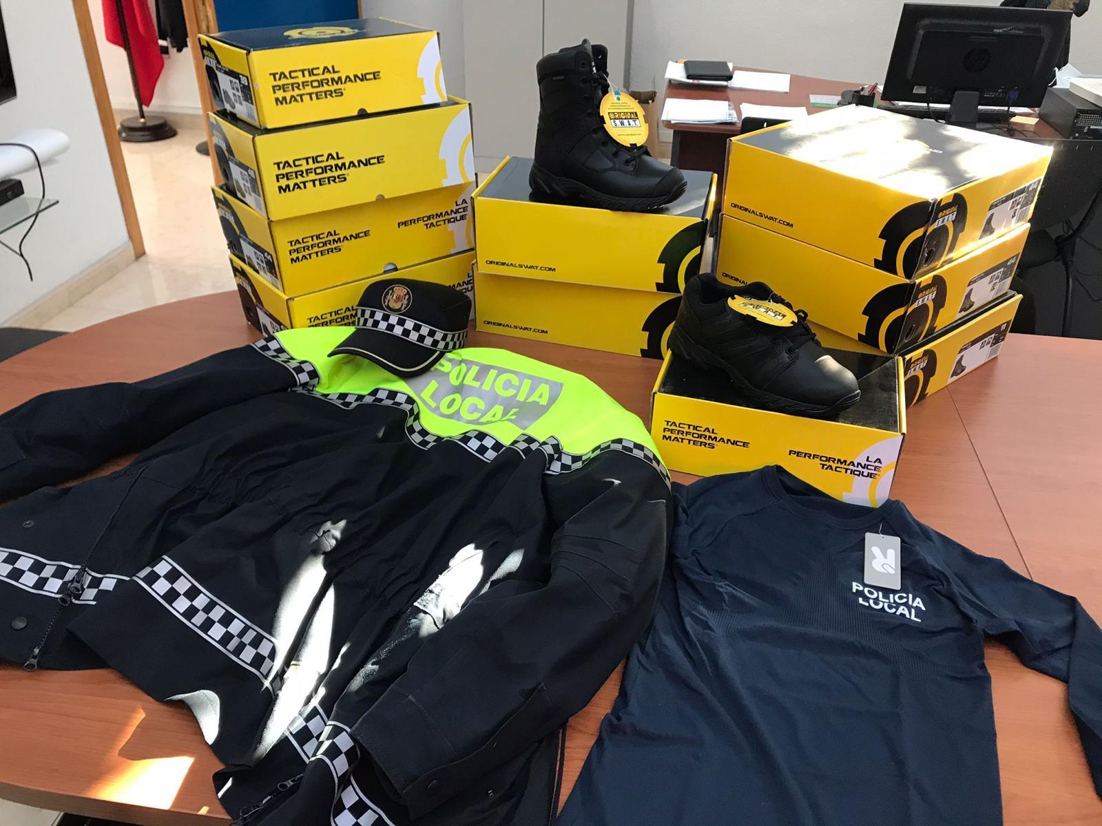 El Ayuntamiento de Elda renovará el vestuario oficial y los complementos de la Policía Local y de Protección Civil