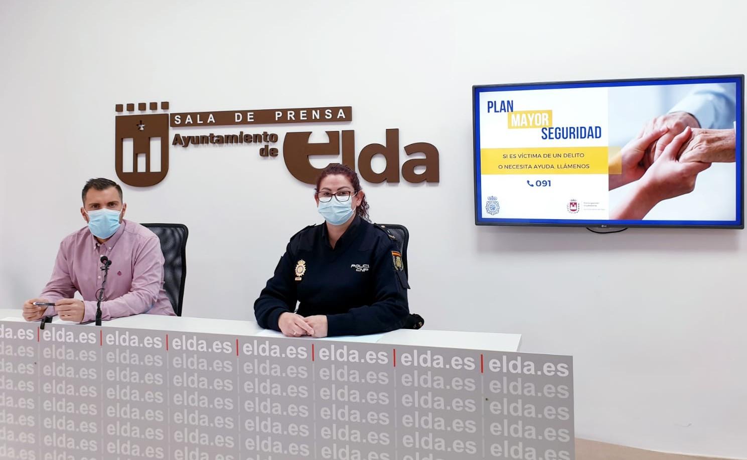 El Ayuntamiento de Elda y la Policía Nacional ponen en marcha una campaña para reforzar la seguridad de las personas mayores