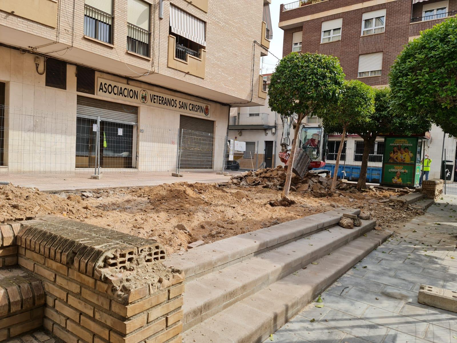 El Ayuntamiento de Elda inicia la remodelación de la plaza de la calle Maximiliano García Soriano como punto de partida del Plan 'Elda Renace'