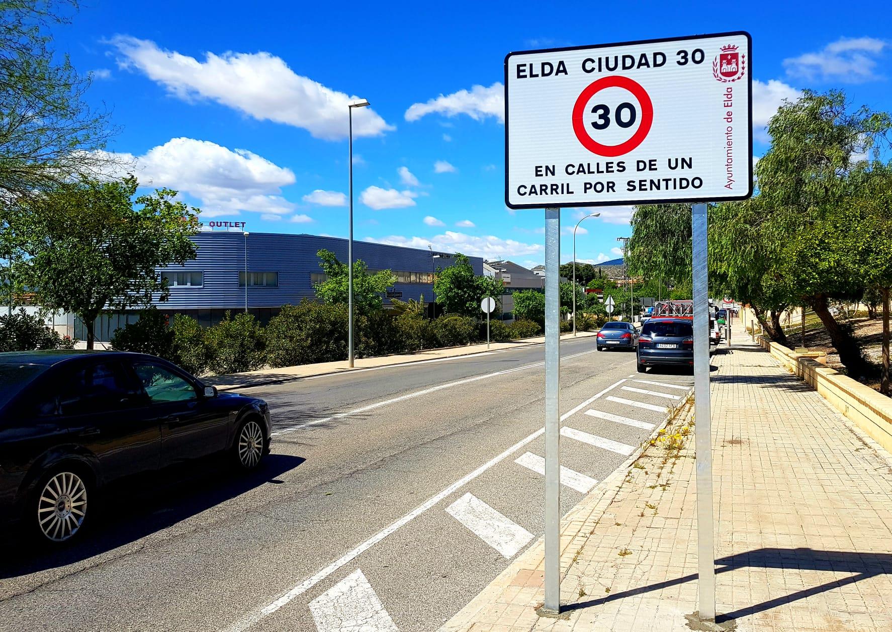 Los nuevos límites genéricos de velocidad en vías urbanas que han entrado en vigor hoy afectan al 80% de las calles de Elda