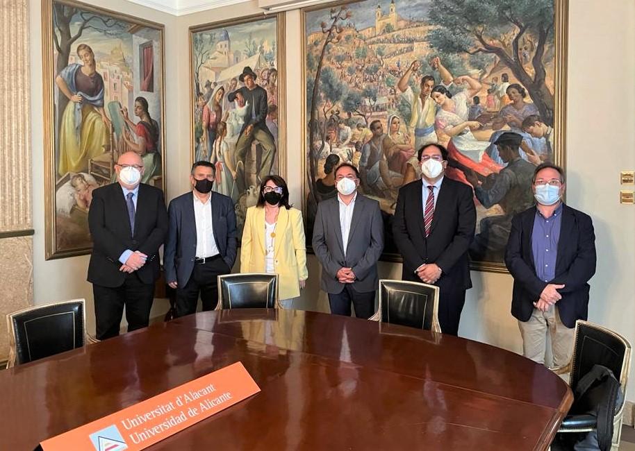 El equipo directivo de la EURLE se reúne con la  rectora de la UA para abordar mejoras en el funcionamiento de la Escuela Universitaria