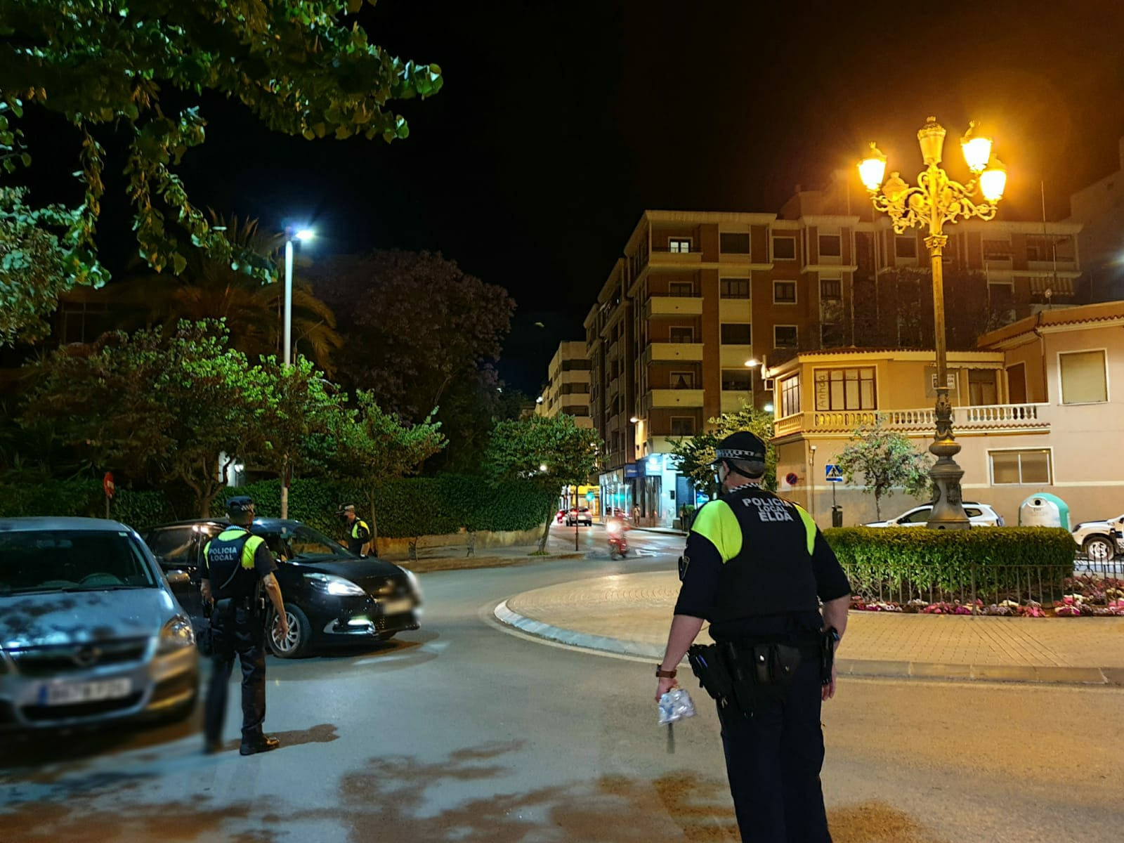 La Policia Local de Elda impone durante el fin de semana catorce multas por conducir bajo los efectos del alcohol y las drogas o sin carné