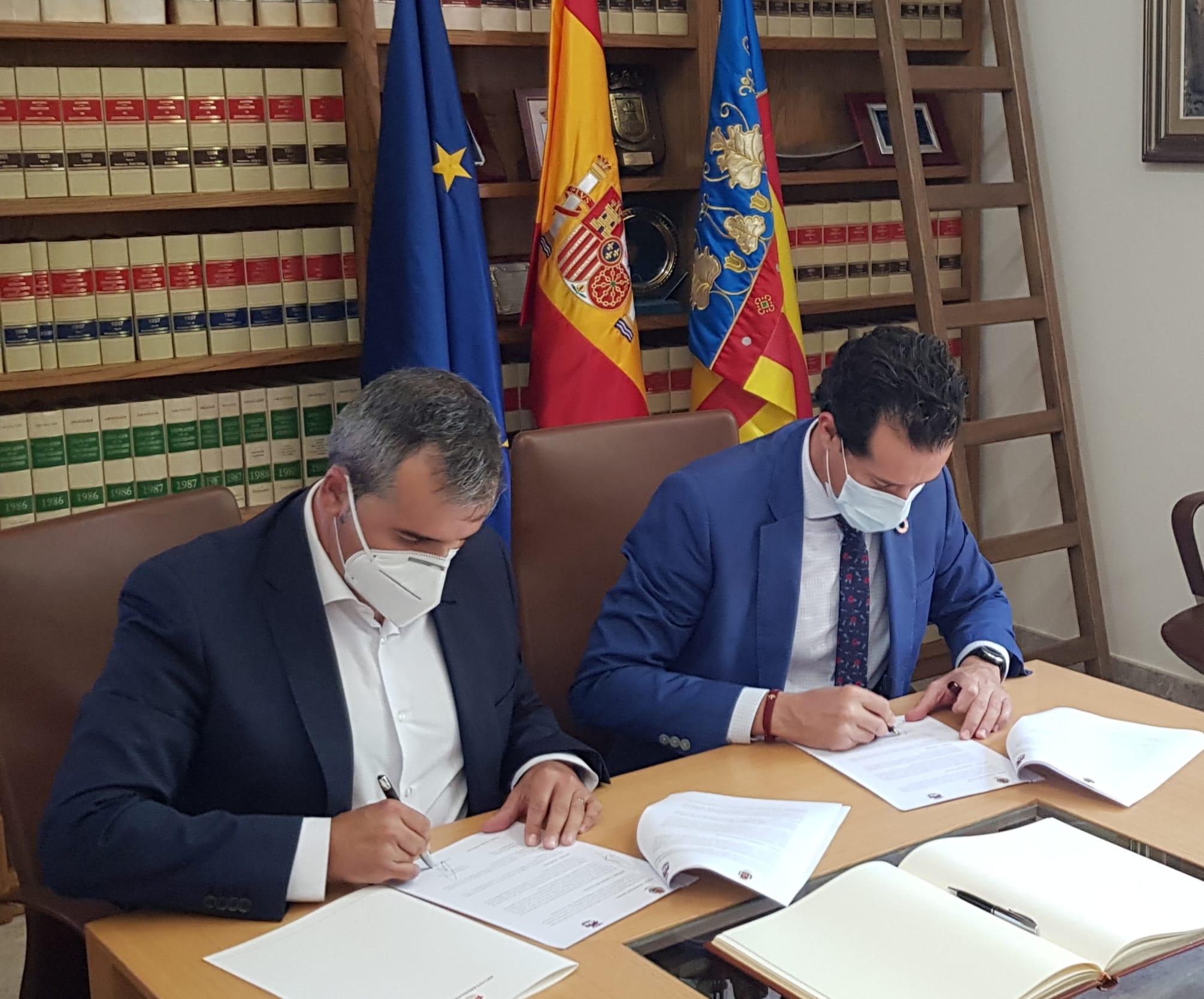 El Ayuntamiento de Elda firma un convenio con el de Aspe para compartir de manera recíproca sus respectivas Bolsas de Empleo
