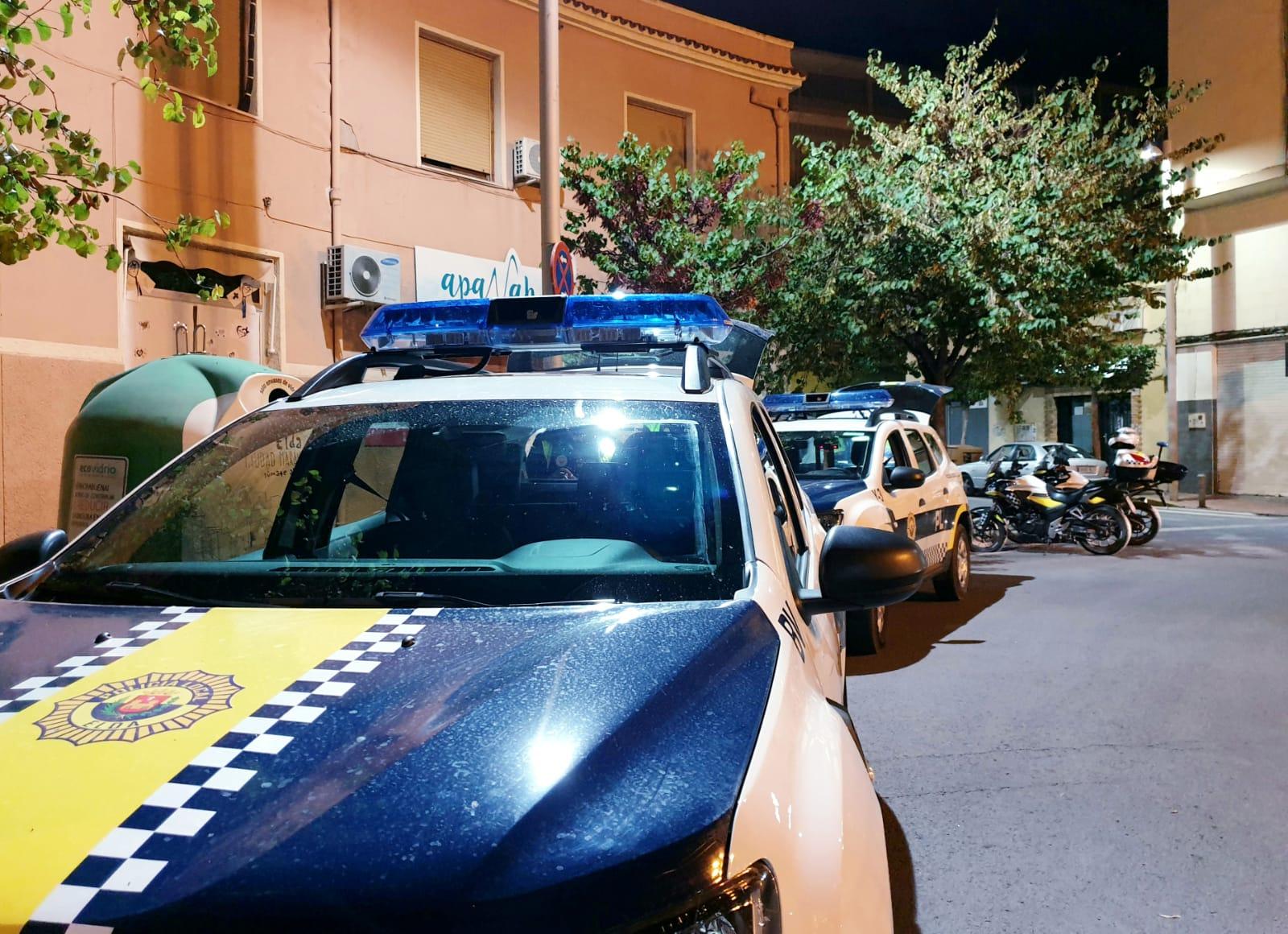 Las Policías Locales de Elda y de Petrer y la Policía Nacional coordinarán a sus efectivos para evitar la celebración de botellones
