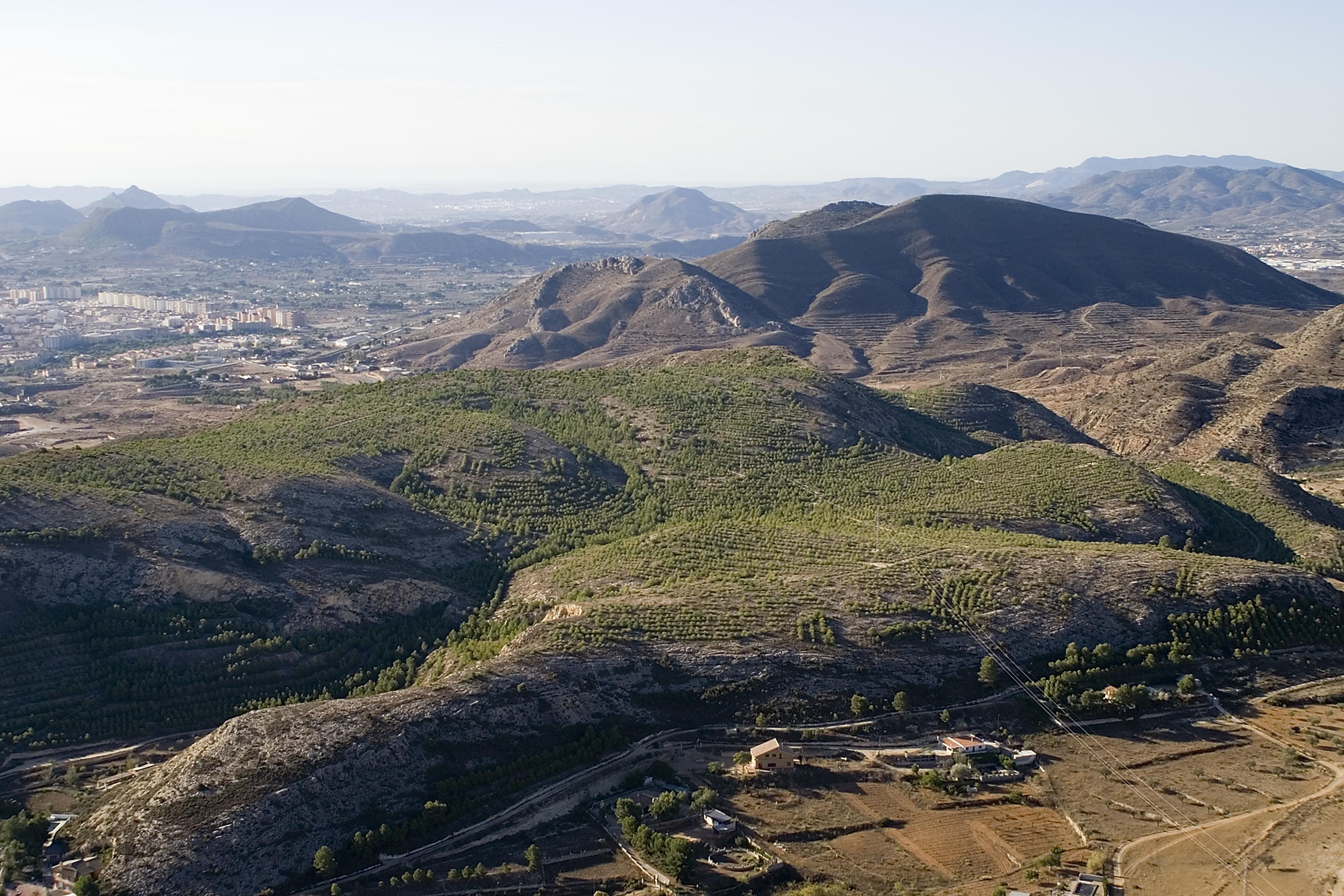El Ayuntamiento de Elda inicia los trámites para redactar los Planes de Actuación Municipal ante incendios forestales y movimientos sísmicos