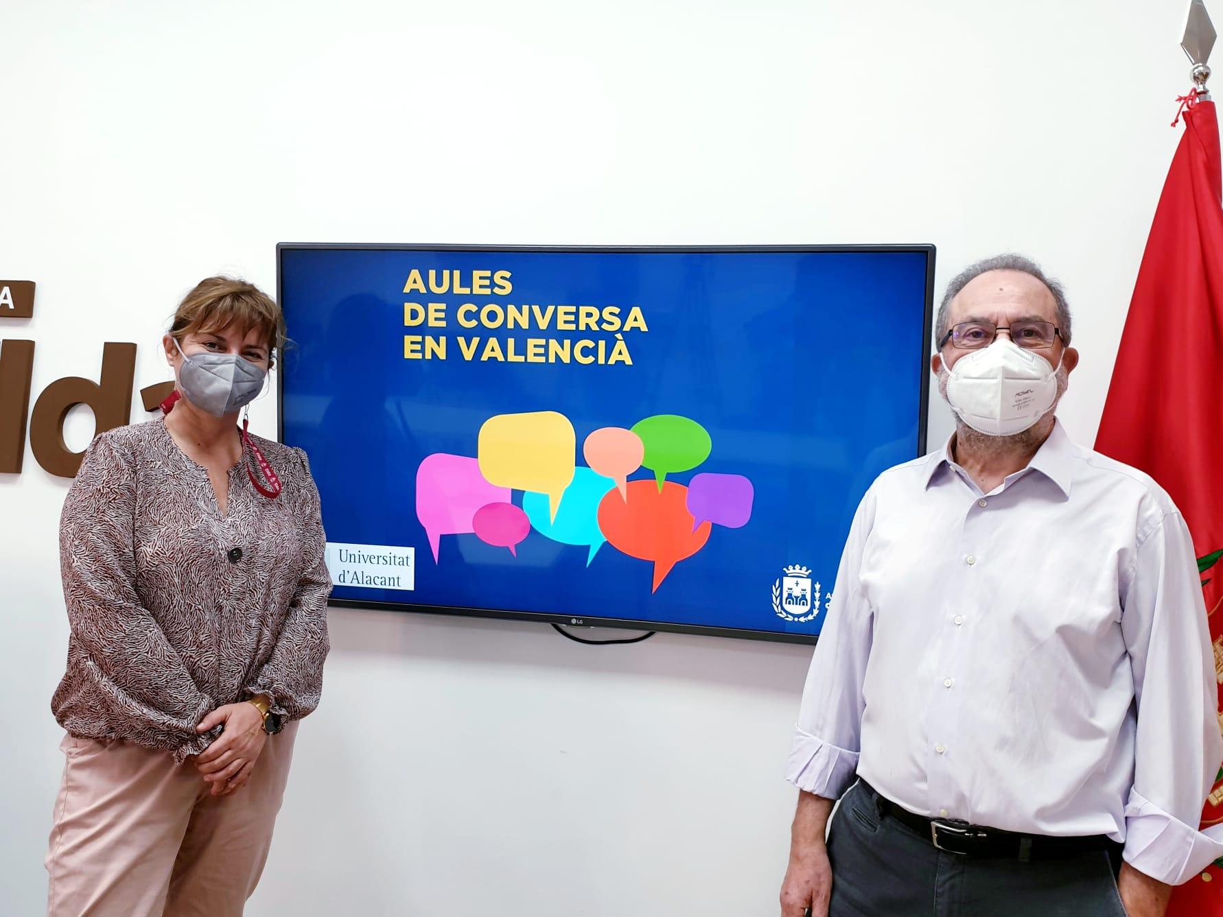 Elda recupera la actividad del Aula de Conversa en Valencià en la Biblioteca Municipal Alberto Navarro